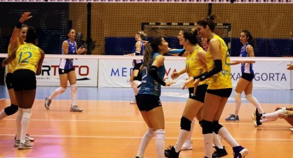 Kupa Voley'de final etabı bileti PTT'nin