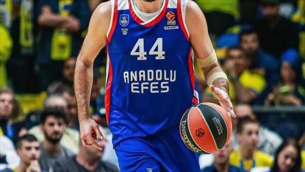 Basketbolseverler, Anadolu Efes'te son 10 yılın en iyi takımını seçti