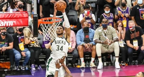 Milwaukee Bucks şampiyonluğa yakın