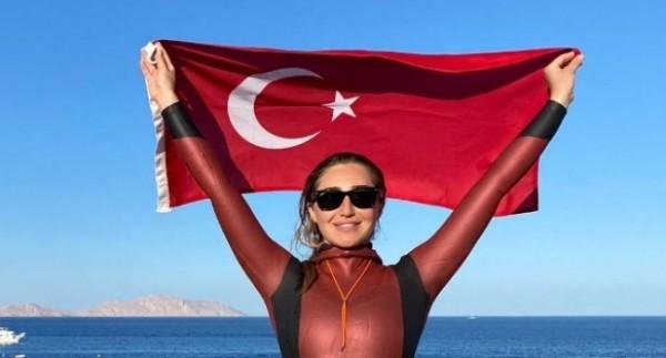 Şahika Ercümen, Bahamalar'da Türkiye rekoru kırdı