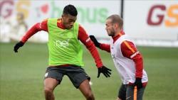 Galatasaray'da yeni transfer Rodrigues antrenmana çıktı